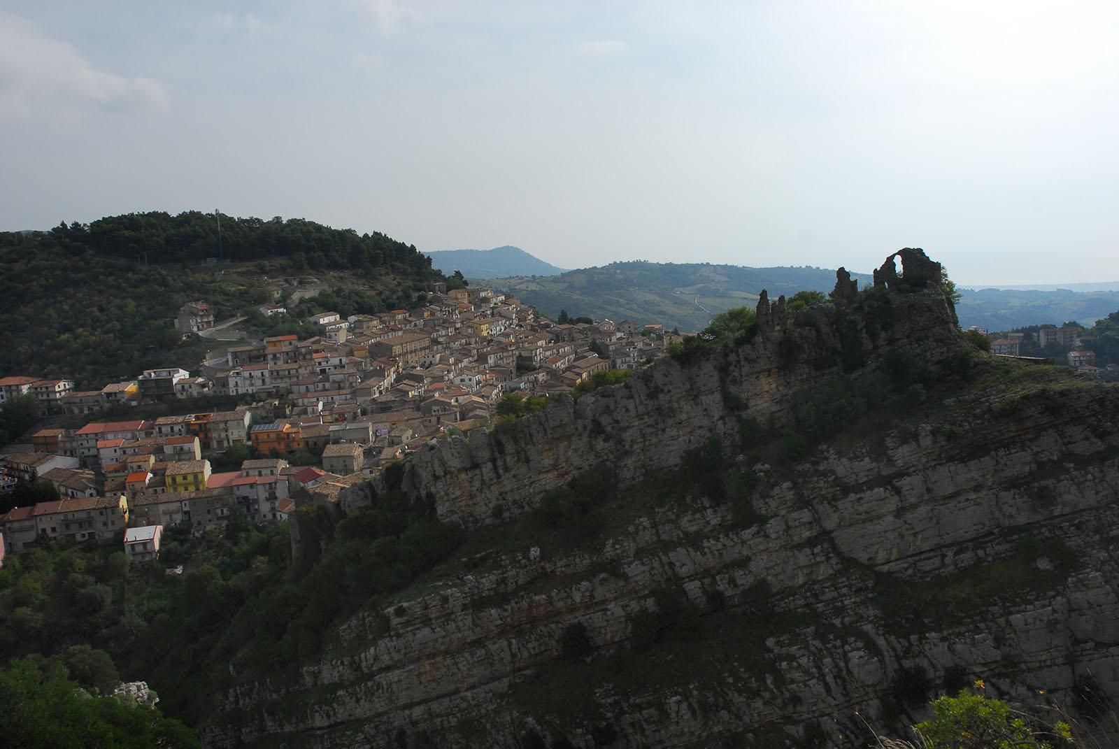 Cammino Basiliano: Alessandria del Carretto - Cerchiara di Calabria: resti del castello