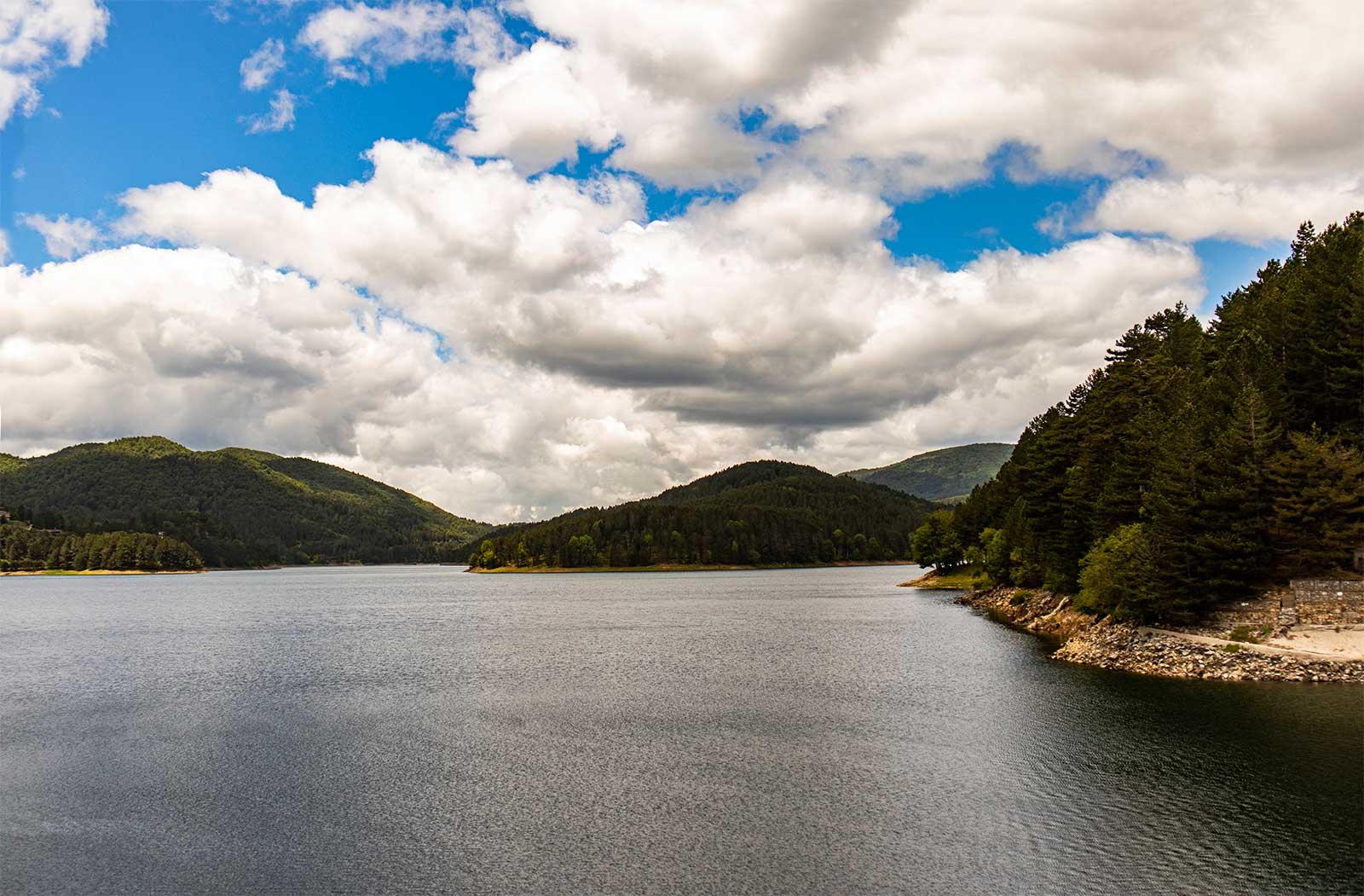 Lago Ampollino: panorama dalla diga