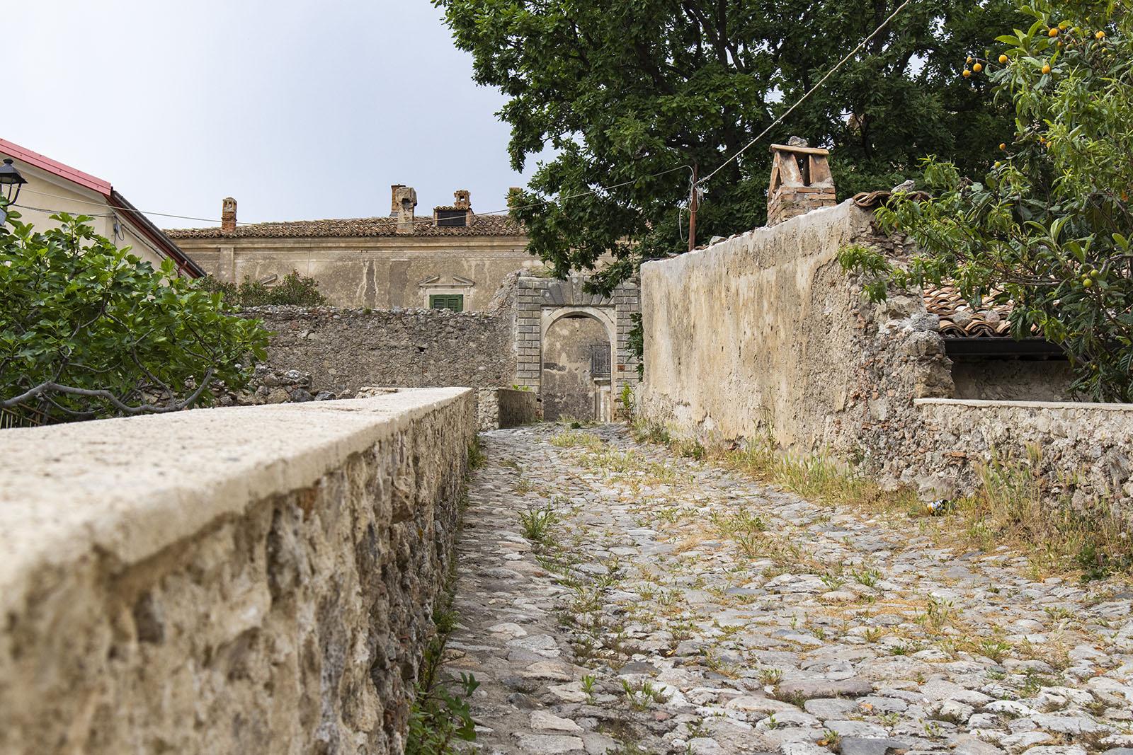 Entrata Castello Caccuri