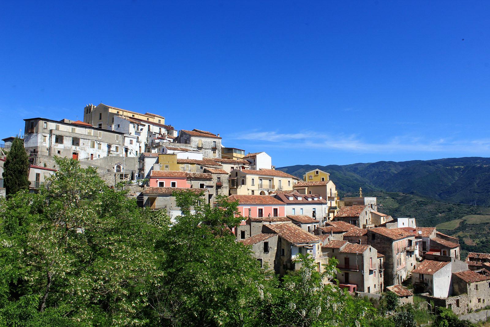 Panorama del borgo di Sellia