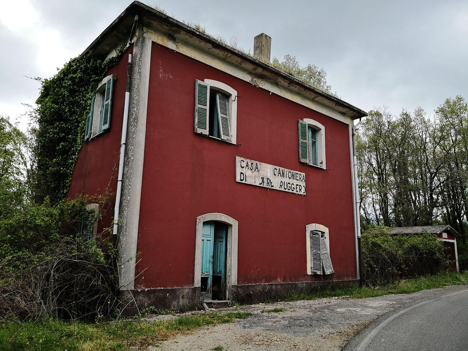 Torre di Ruggiero: Casa Cantoniera