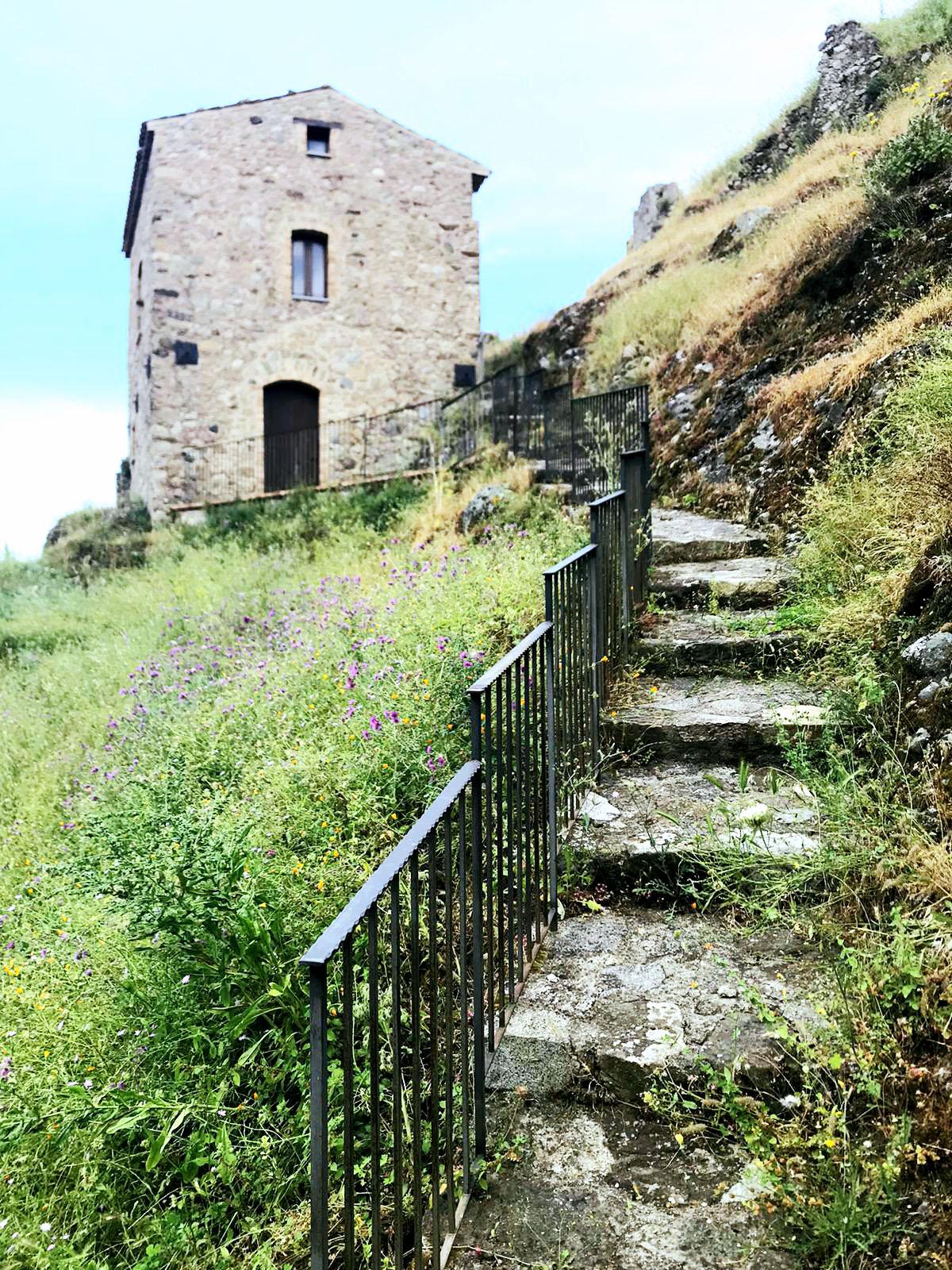Borgo antico Precacore Samo