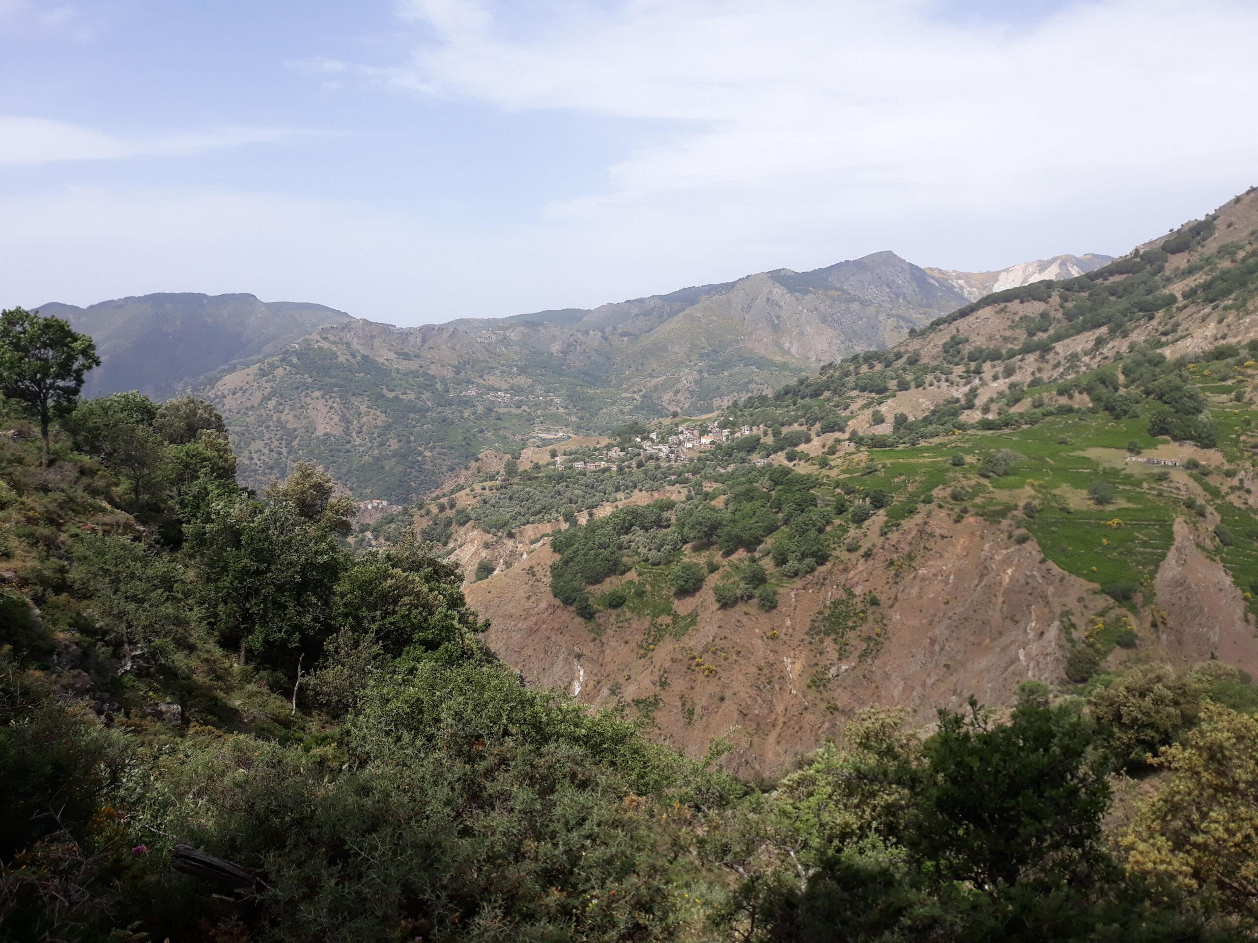 Panorama sul borgo abbandonato di Ghorio di Roghudi.