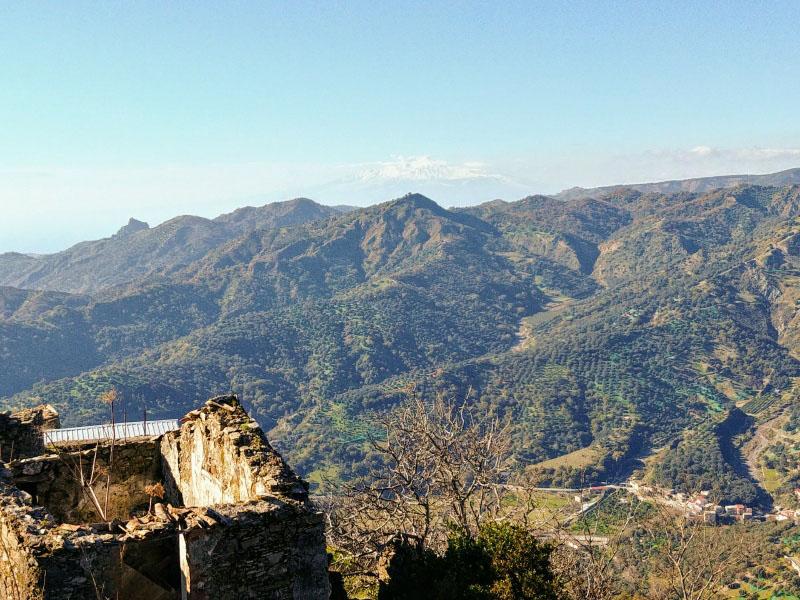 Panorama da San Lorenzo con Etna sullo sfondo