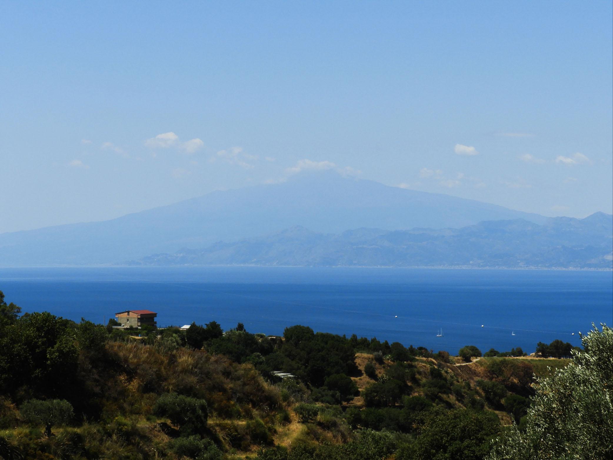 Vista Etna sul lato Ionico