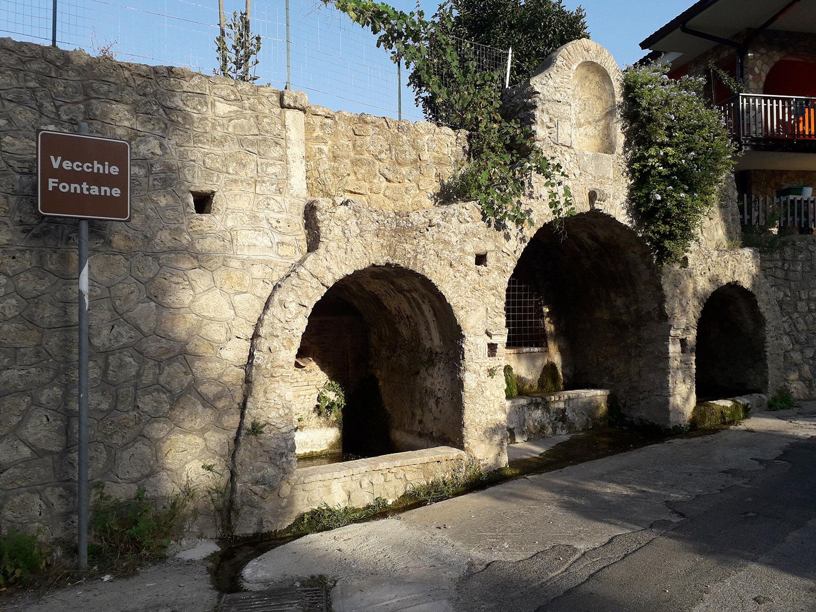 Martone: Vecchie fontane
